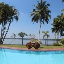 Blue Water Villa in Colombo