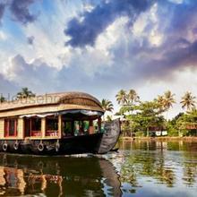 Bmg Houseboat in Kottayam
