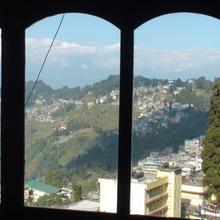 Bon's Central View in Darjeeling