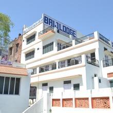 Brij Lodge in Raiwala