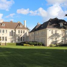 Brockencote Hall in Kinvere