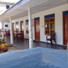 Butterfly Inn in Trincomalee