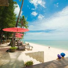 By Beach Resort in Lipa Noi