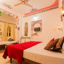 Cafe Helsinki & Rooms in Udaipur