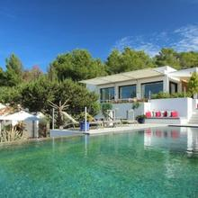 Cala Tarida Villa Sleeps 12 Pool Wifi in Sant Antoni De Portmany