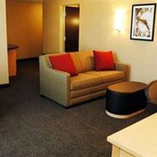 Cambria Suites Washington in Washington