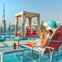 Canal Central Hotel in Dubai