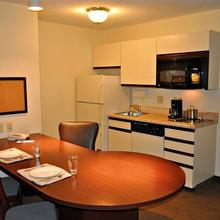 Candlewood Suites Raleigh Crabtree in Raleigh