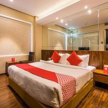 Capiptal O 14448 Hotel Sapphire Star in Sinhasa