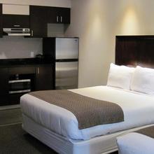 Capital City Center Hotel in Esquimalt
