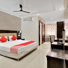 Capital O 12384 Hotel Serene Majestic in Himayatnagar