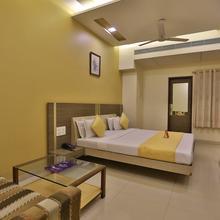 Capital O 1338 Hotel Harmony Deluxe in Rajkot