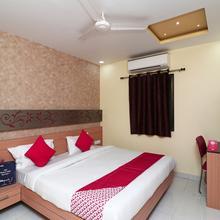 Capital O 16590 Hotel Sapphire Inn in Gorakhpur