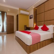 Capital O 22120 Hotel Universal Garden in Navi Mumbai