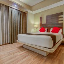 Capital O 22780 Hotel Landmark in Hatia
