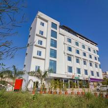 Capital O 23176 Hotel S3 Park in Badlapur