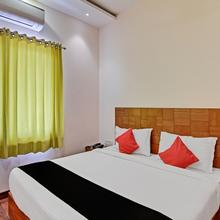 Capital O 27732 Tekarees Inn in Lucknow