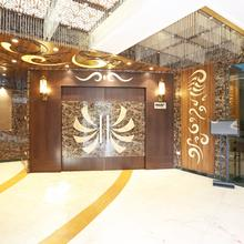 Capital O 3844 Hotel Kd Palace in Kanpur