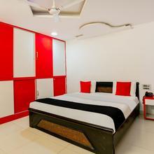 Capital O 986 Hotel Akhand S in Himayatnagar