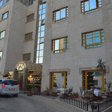 Capri Hotel Suites in Amman