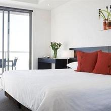 Caroline Serviced Apartments Brighton in Dingley
