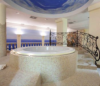 Casino Hotel Carnevale Wellness & Spa in Truske