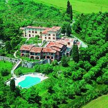 Castello Belvedere Residence in Desenzano Del Garda