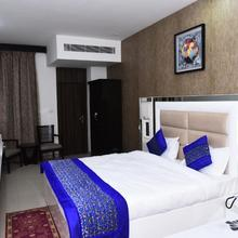 Cavendish Hotel in Faridabad