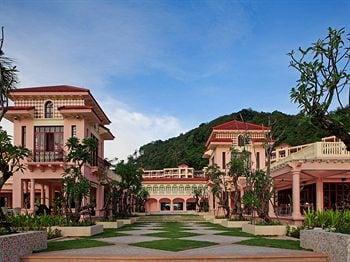Centara Grand Beach Resort Phuket in Phuket