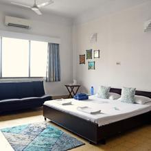 Central Bed & Breakfast in Bata Nagar