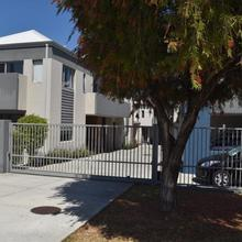 Central Executive Townhouse in Perth