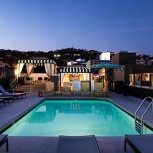 Chamberlain West Hollywood in Sherman Oaks