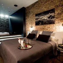 Chambre Avec Jacuzzi Sauna Privatif in Brussels