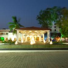 Chanakya Bnr Hotel in Hatia