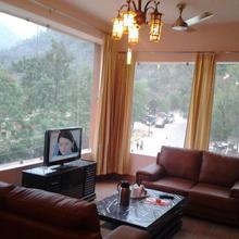 Chanakya Resort in Rishikesh