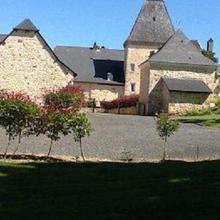 Chateau de Larre in Teillots