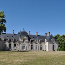 Chateau La Touanne in Saint-ay