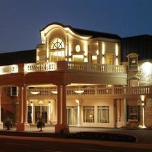Chateau Louis Hotel & Conference Centre in Edmonton