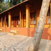 Chera Rocks Beach House in Mulappilangad