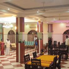 Chettinaadu Narayana Inn in Karaikkudi