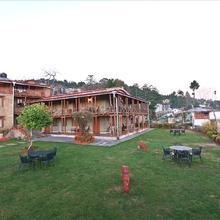 Chevron Eco Lodge in Kausani