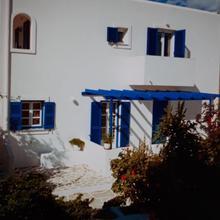 Christina Studios in Paros
