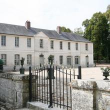 Château De Maudetour in Avernes