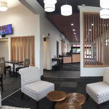 Clarion Inn & Suites Clackamas in Portland