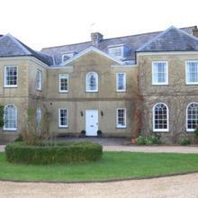 Clemenstone House B&B in Pencoed