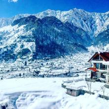 Clifftop Cottages in Manali