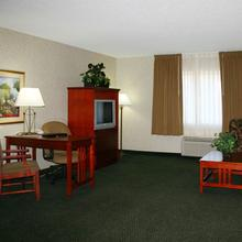Club - Hotel Nashville Inn & Suites in Nashville
