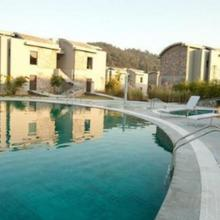 Club Mahindra, Corbett in Garjia