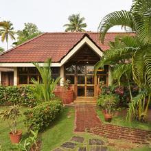 Club Mahindra Kumarakom in Shertallai