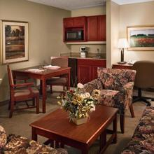 Clubhouse Inn & Suites Topeka in Menoken